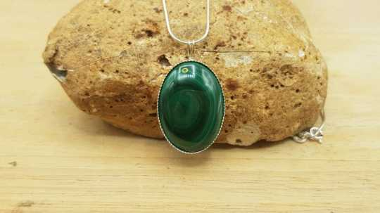 Malachite pendant 25x18mm