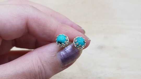 Turquoise stud earrings 6mm