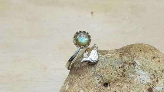 Labradorite bird ring