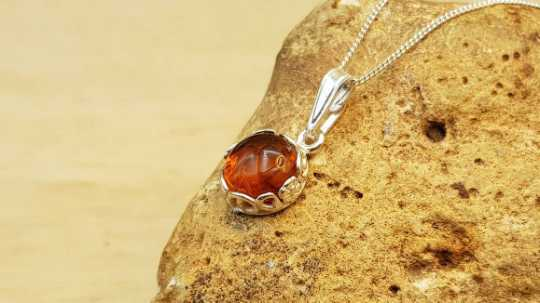 Tiny amber pendant 8mm