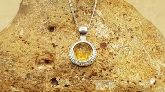 Tiny circle Citrine pendant