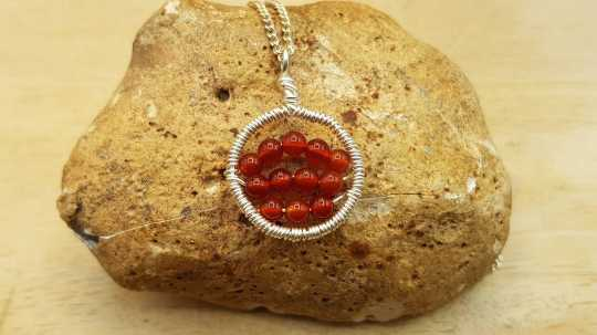 Wire Carnelian circle necklace
